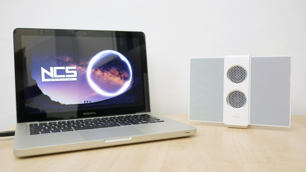 Connecting via USB audio to a MacBook. The speaker has an internal DAC sending across a pure digital signal